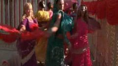 Bollywood dance style movie-Cheetah girls song-One world(HD)