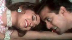 Pehla Pehla Pyar Hai - Salman Khan Madhuri Dixit - Hum Aapke Hain Koun - Classic Romantic Song