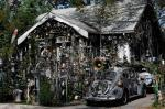 Clarke Bedfords Bizarre Art House And Cars