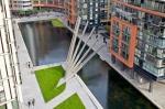 London's New Folding Bridge Opens and Closes Like a Fan